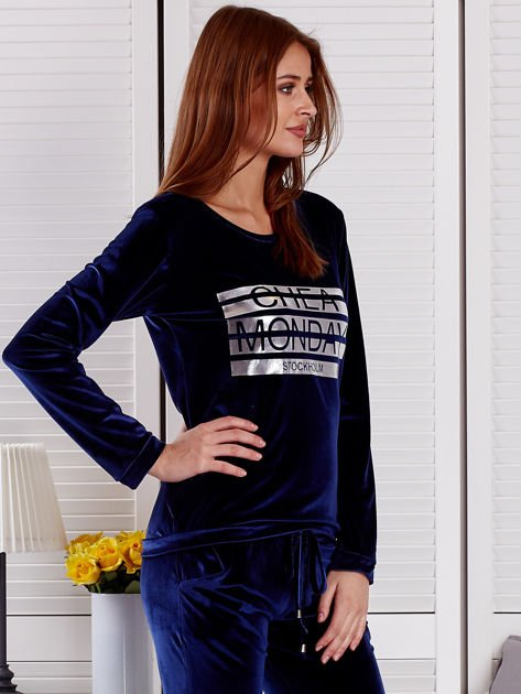 Granatowa aksamitna bluza ze srebrnym nadrukiem                              zdj.                              5