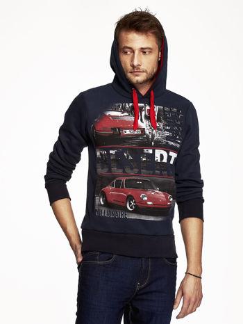 Granatowa bluza męska z samochodowym nadrukiem                                  zdj.                                  5