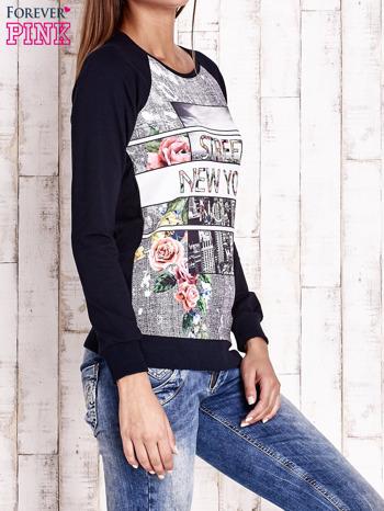 Granatowa bluza z miejskim nadrukiem                                  zdj.                                  3