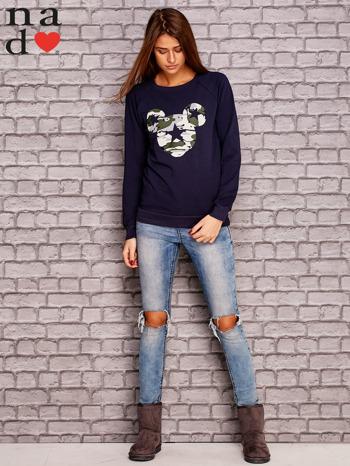 Granatowa bluza z nadrukiem moro                                  zdj.                                  2