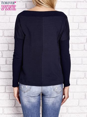 Granatowa bluza z szerokim ściągaczem i troczkami                              zdj.                              2