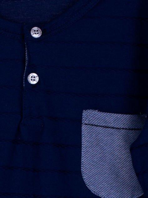 Granatowa bluzka chłopięca w plecione paski z kieszonką                              zdj.                              4