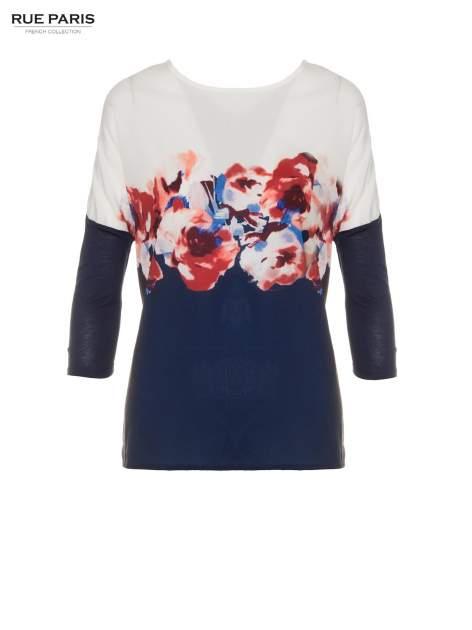 Granatowa bluzka o nietoperzowym kroju z nadrukiem kwiatów                                  zdj.                                  2