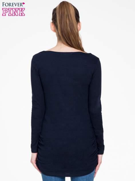 Granatowa bluzka tunika z marszczonym dołem                                  zdj.                                  4