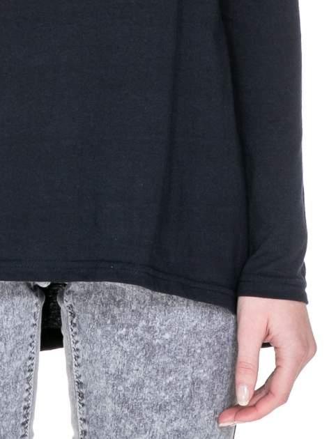 Granatowa bluzka z dłuższym tyłem                                  zdj.                                  6