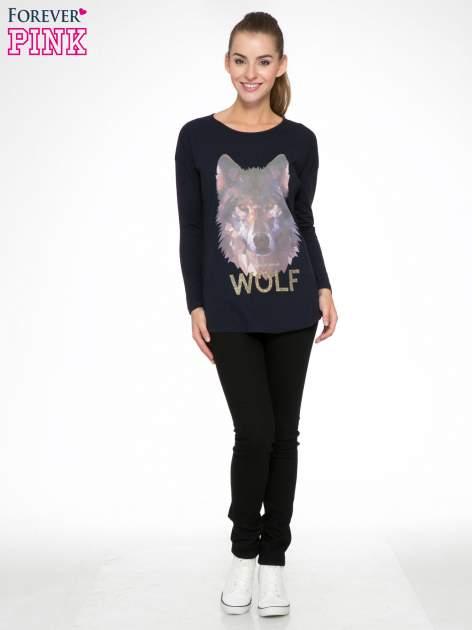 Granatowa bluzka z nadrukiem wilka i brokatowym napisem WOLF                                  zdj.                                  2