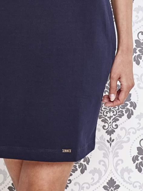 Granatowa dresowa sukienka z dekoltem na plecach                                  zdj.                                  5