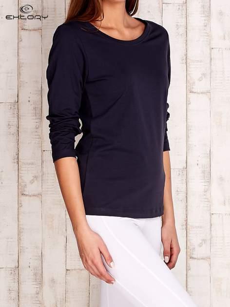 Granatowa gładka bluzka sportowa z dekoltem U PLUS SIZE                                  zdj.                                  4
