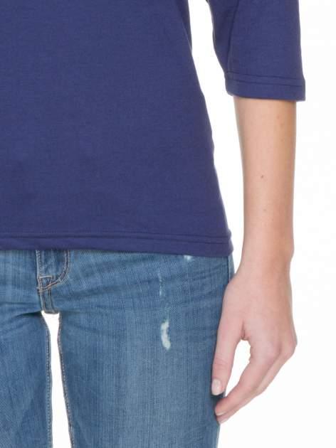 Granatowa gładka bluzka z rękawem 3/4                                  zdj.                                  5