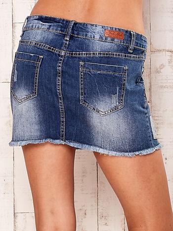 Granatowa jeansowa spódnica z wystrzępionym dołem                                  zdj.                                  5
