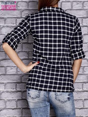 Granatowa koszula w kratę z kieszonką                                  zdj.                                  4