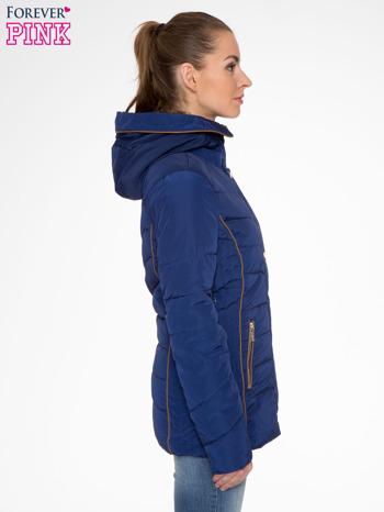 Granatowa kurtka zimowa ze skórzaną lamówką i futrzanym kapturem                                  zdj.                                  3