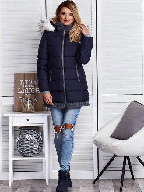 Granatowa kurtka zimowa ze swetrowym wykończeniem                              zdj.                              5