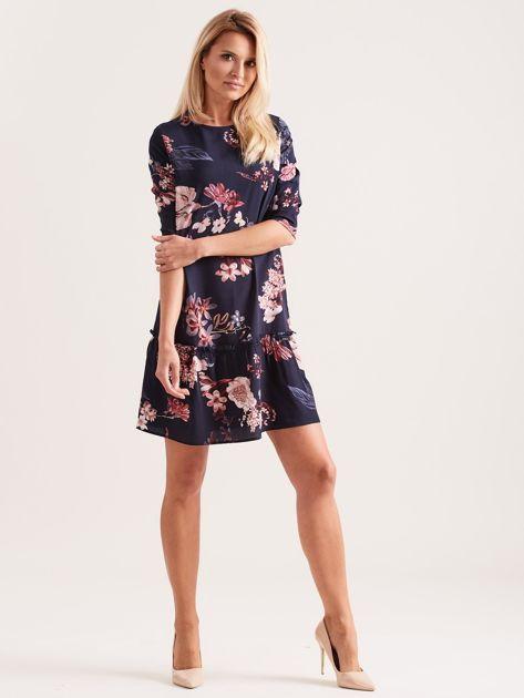 Granatowa kwiatowa sukienka z falbaną                              zdj.                              4