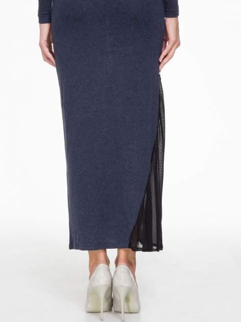Granatowa maxi sukienka z asymetryczną wstawką na dole z tiulu                                  zdj.                                  7