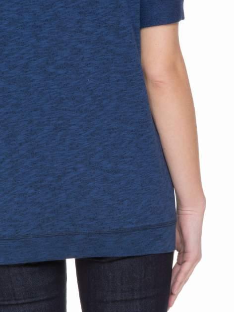 Granatowa melanżowa bluzka z wywijanymi rękawkami                                  zdj.                                  6