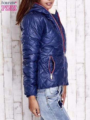 Granatowa pikowana kurtka z futrzanym ociepleniem                                   zdj.                                  3