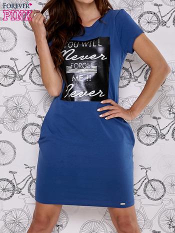 Granatowa sukienka dresowa z napisem YOU WILL NEVER FORGET ME                                  zdj.                                  1
