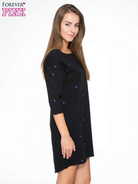 Granatowa sukienka oversize we wzór w ptaszki                                  zdj.                                  3