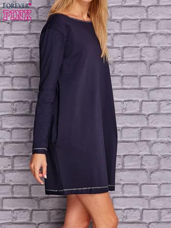 Granatowa sukienka oversize z kieszeniami                                  zdj.                                  3