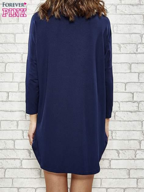 Granatowa sukienka z rozporkami po bokach                                  zdj.                                  5
