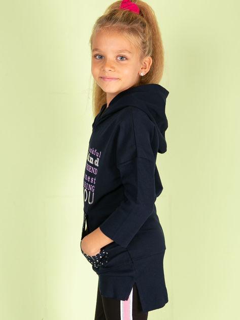 Granatowa tunika dziewczęca z metalicznym nadrukiem                              zdj.                              5