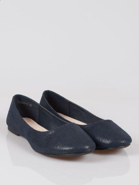 Granatowe baleriny faux leather z efektem animal skin                                  zdj.                                  2
