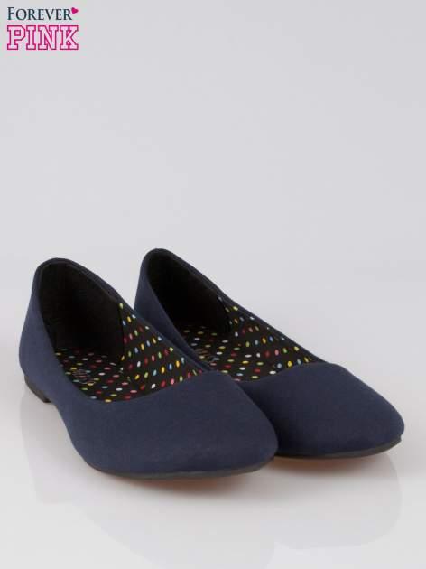 Granatowe baletki z tkaniny                                  zdj.                                  2