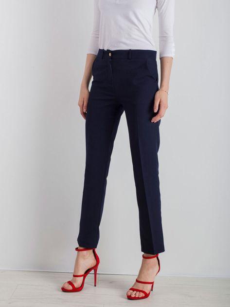 Granatowe eleganckie spodnie                              zdj.                              3