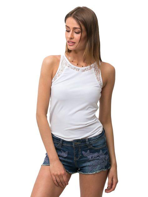 Granatowe jeansowe szorty z kwiatową aplikacją                                   zdj.                                  3