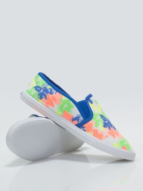 Granatowe kwiatowe buty slip-on                                  zdj.                                  4