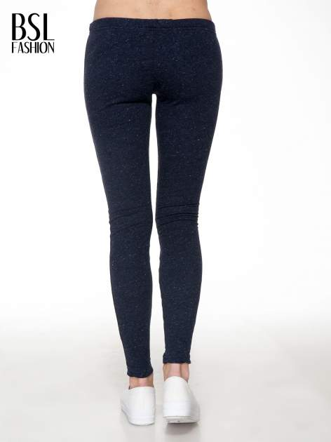 Granatowe melanżowe legginsy                                  zdj.                                  4