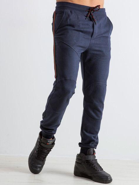 Granatowe męskie dresy Simplicity                              zdj.                              1
