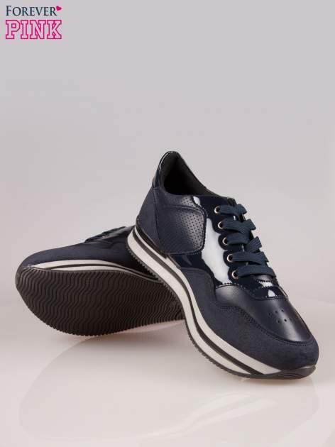 Granatowe miejskie buty sportowe textile Excellence na warstwowej podeszwie                                  zdj.                                  4