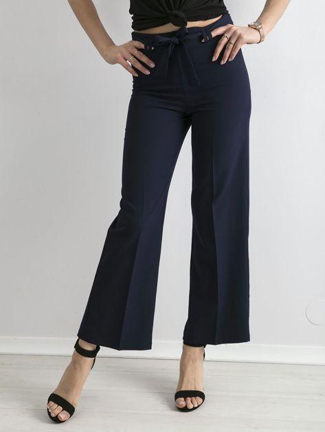 Granatowe szerokie spodnie z wiązaniem                              zdj.                              1