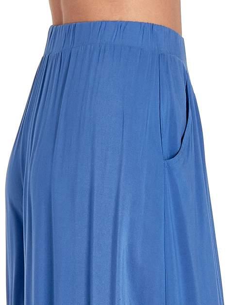 Granatowe zwiewne spodnie typu culottes                                  zdj.                                  6