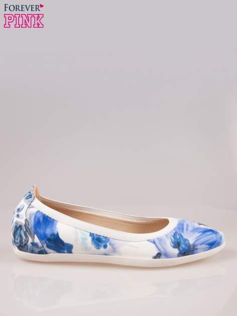 Granatowo-białe kwiatowe baleriny Lily na gumkę                                  zdj.                                  1