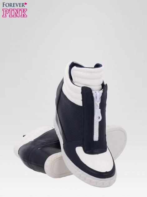 Granatowo-białe sneakersy damskie z suwakiem                                  zdj.                                  4