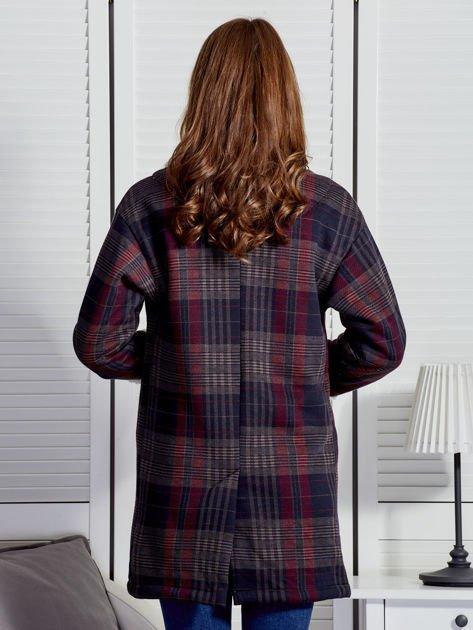 Granatowo-czerwony płaszcz na baranku w kratkę                              zdj.                              2