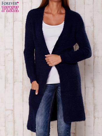 Granatowy długi puszysty sweter