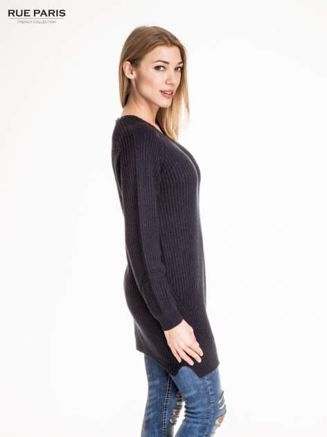 Granatowy długi sweter z suwakiem z tyłu                                  zdj.                                  3