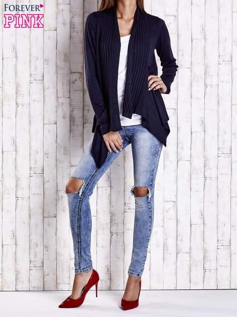 Granatowy długi sweter z wykończeniem w prążki                                  zdj.                                  2