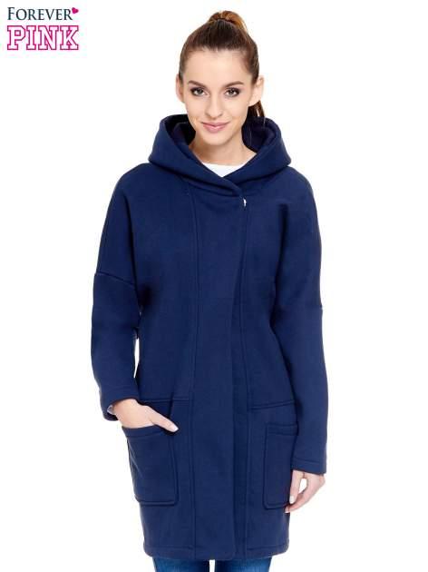 Granatowy dresowy płaszcz z kapturem i kieszeniami