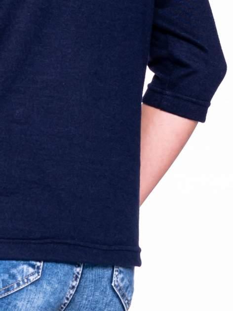 Granatowy klasyczny sweterek z luźnym rękawkiem 3/4                                  zdj.                                  5