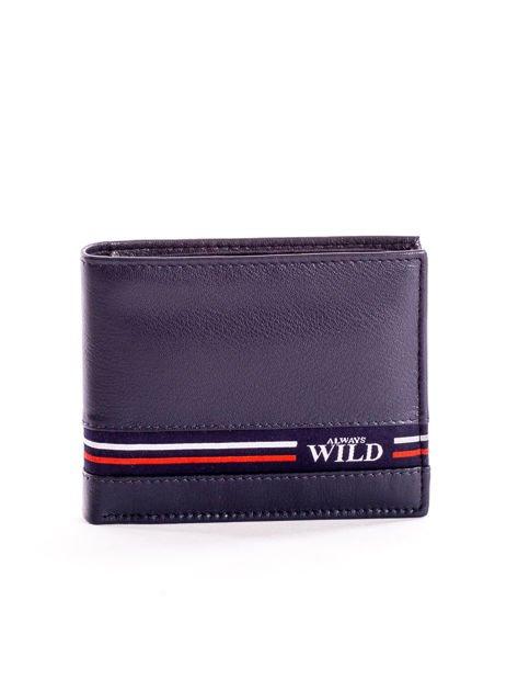 Granatowy skórzany portfel męski z materiałowym modułem                              zdj.                              1