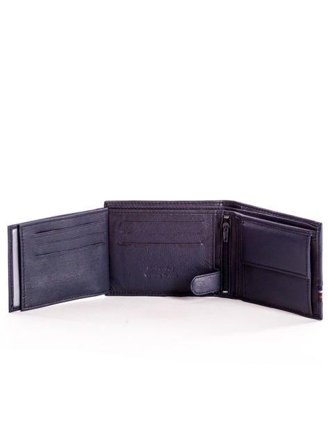 Granatowy skórzany portfel męski z materiałowym modułem                              zdj.                              6