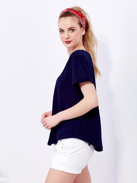Granatowy t-shirt basic z podwijanymi rękawami                                  zdj.                                  5
