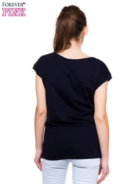 Granatowy t-shirt z nadrukiem San Francisco                                  zdj.                                  3