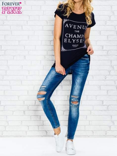 Granatowy t-shirt z napisem AVENUE THE CHAMPS ÉLYSÉE                                  zdj.                                  4