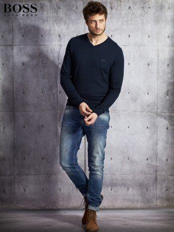 HUGO BOSS Granatowy sweter męski w serek                              zdj.                              4